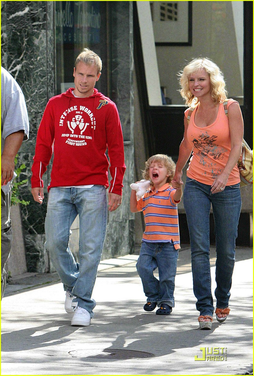 Brian Littrell Oh Baby Baby Baylee Photo 1326081 Baylee Littrell Brian Littrell Pictures Just Jared
