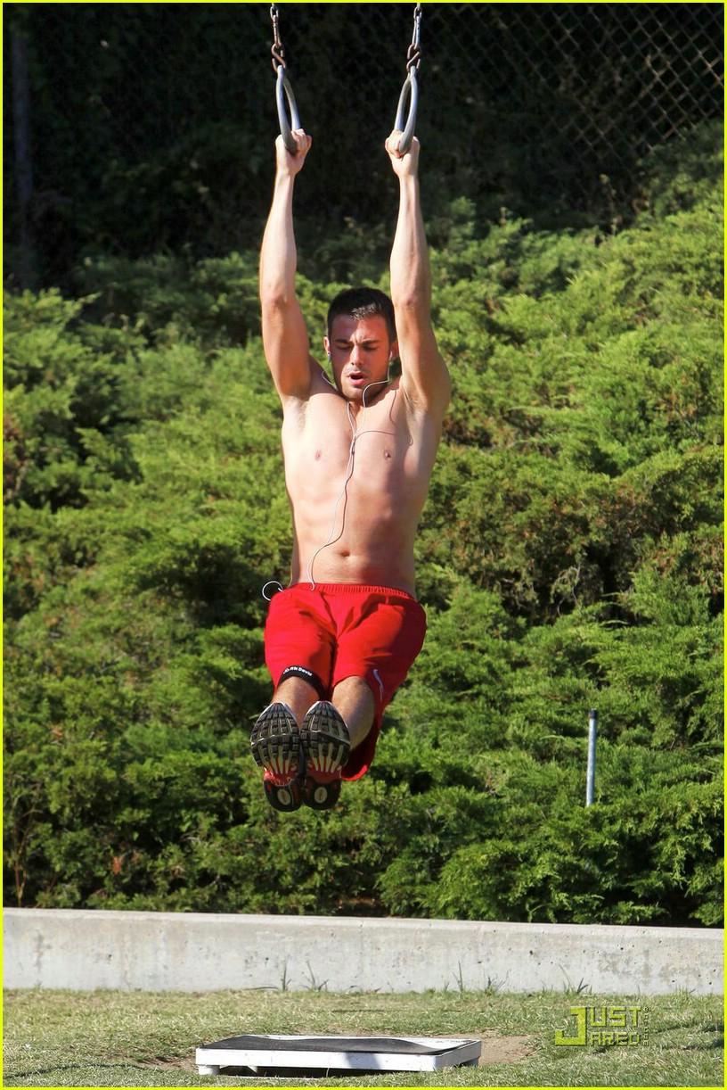 Shirtless Men On The Blog: Jonathan Bennett Shirtless