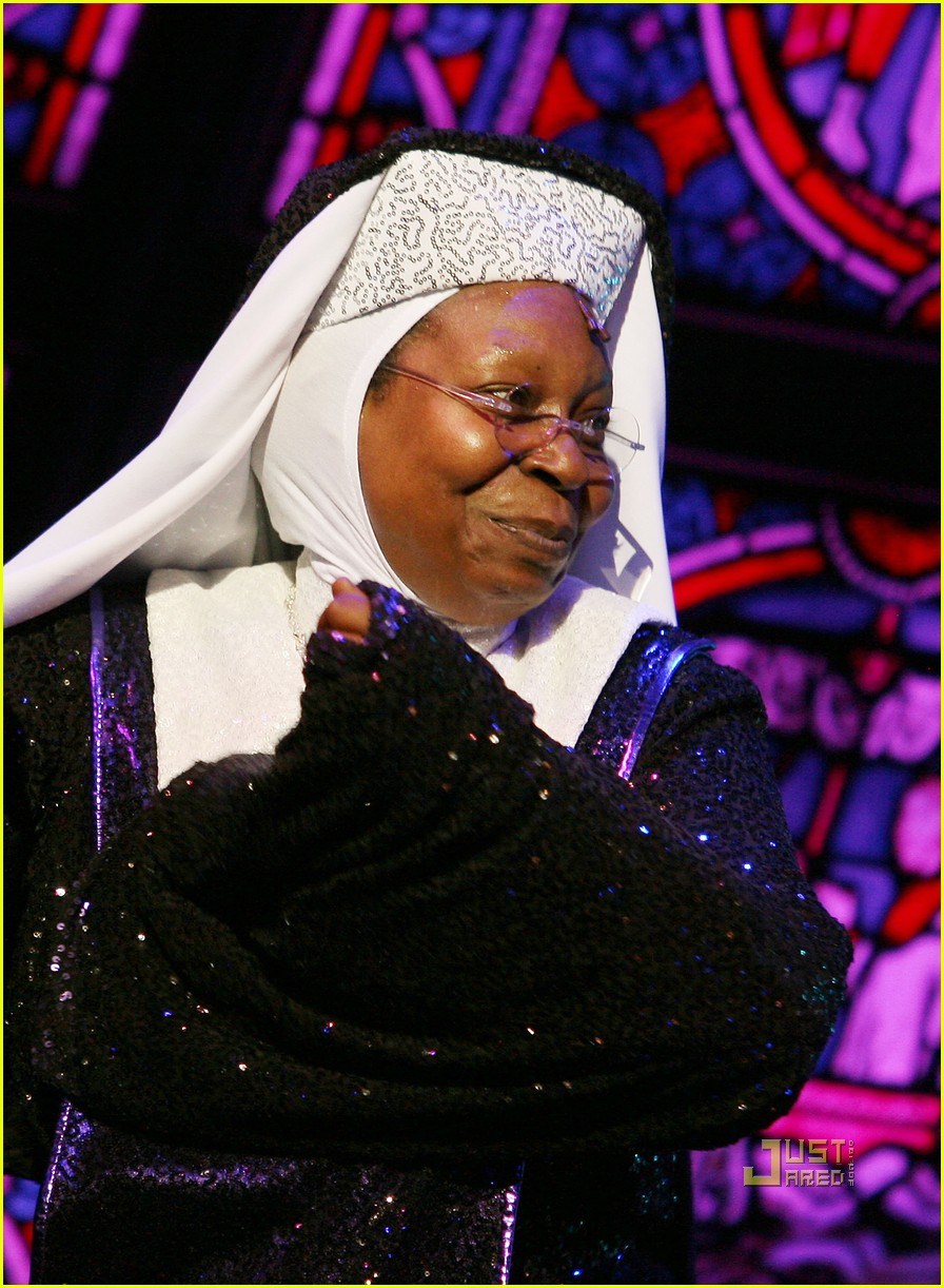 whoopi goldberg sister act west end 122473090