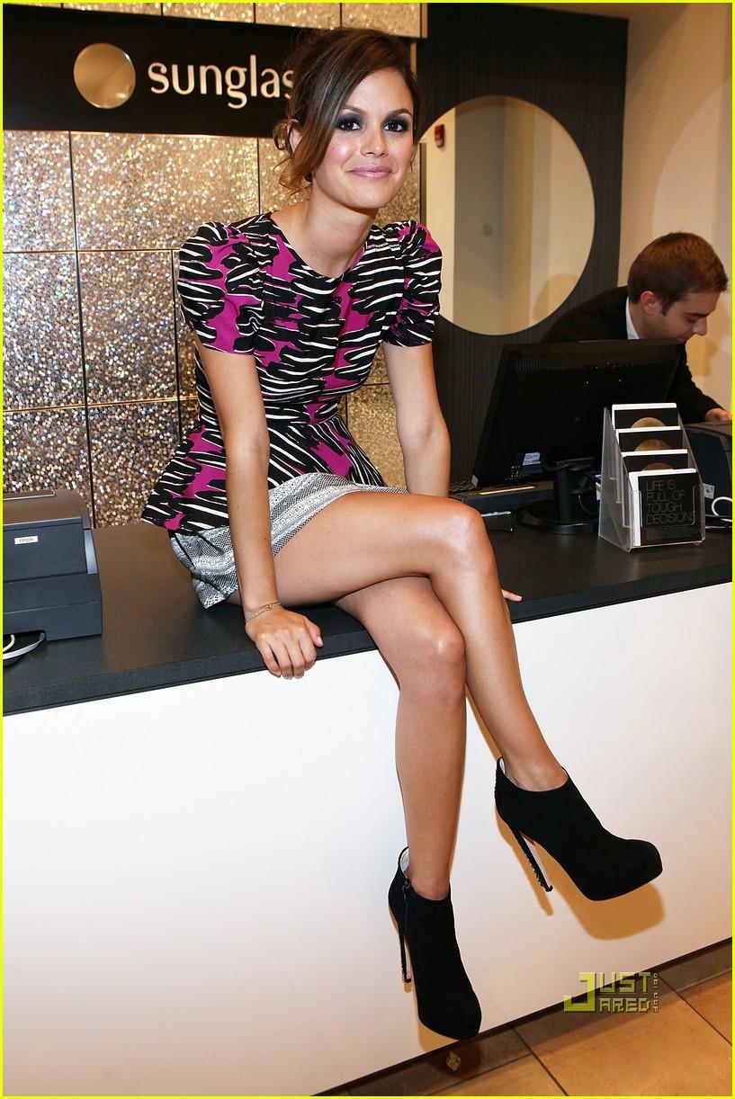 Rachel Bilson Legs