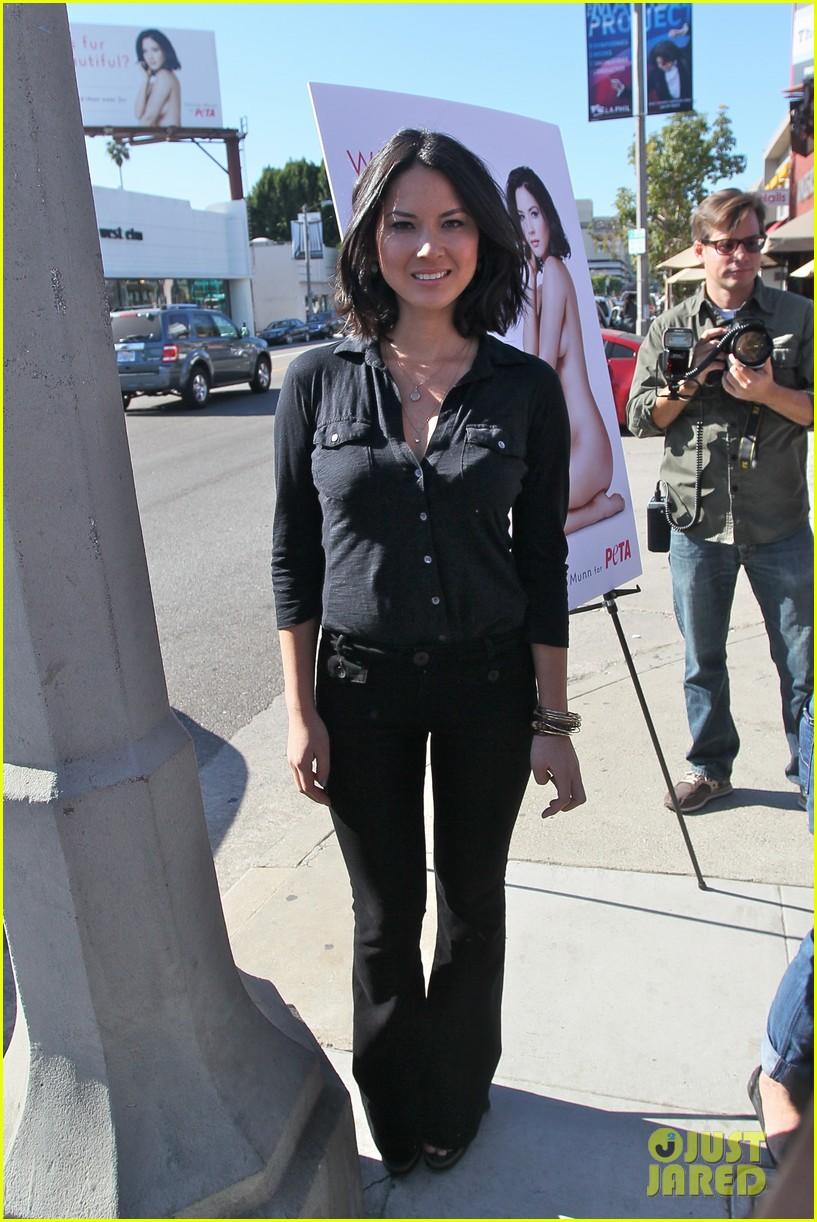 Olivia Munn - Olivia Munn Photos - Olivia Munn Unveils Her