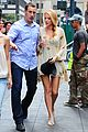 blake lively leighton meester gossip girl with the boys 09