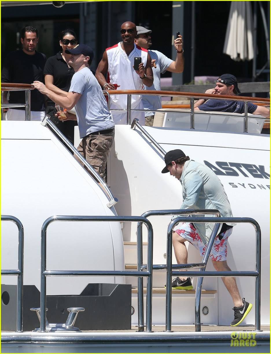 leonardo dicaprio sydney boat ride with jonah hill 032781996