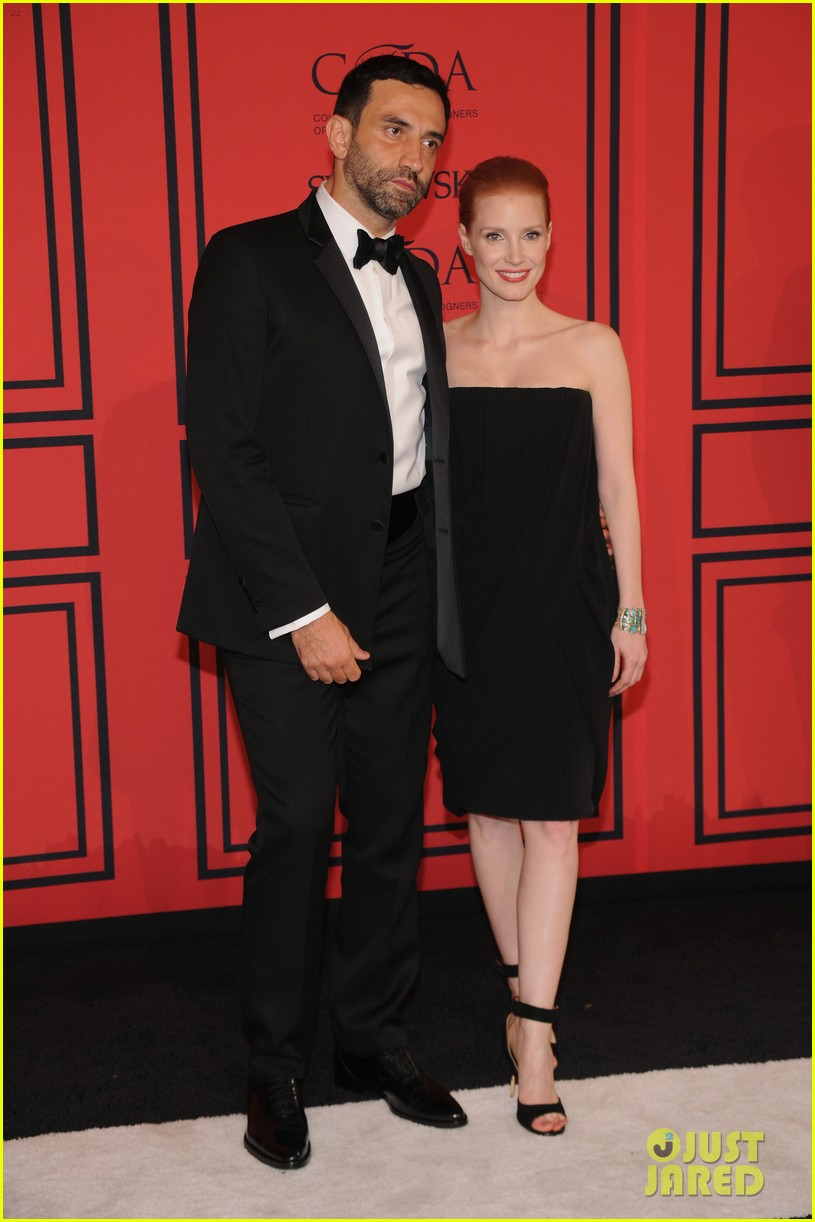 jessica chastain cfda fashion awards 2013 red carpet 032883783