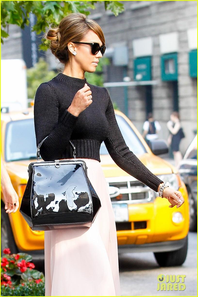 jessica alba nyc exit after ralph lauren fashion show 102951246