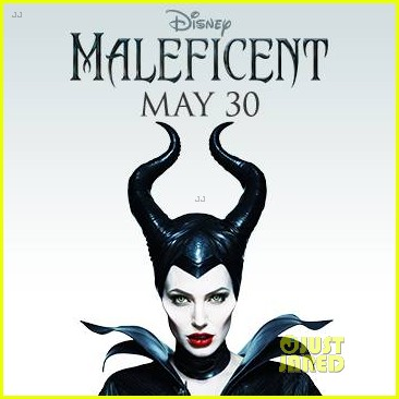 angelina jolie new maleficent poster 033069349