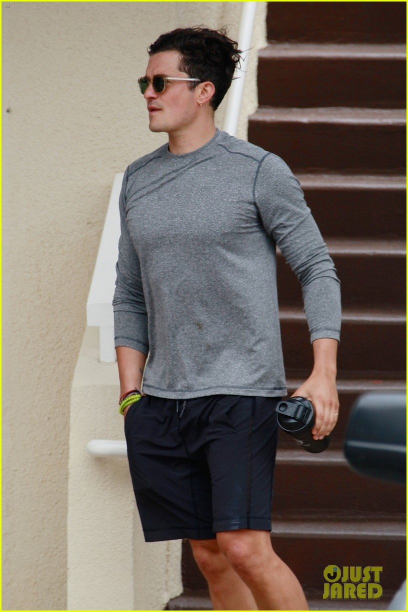 orlando bloom continues to workout his body in malibu 023398426