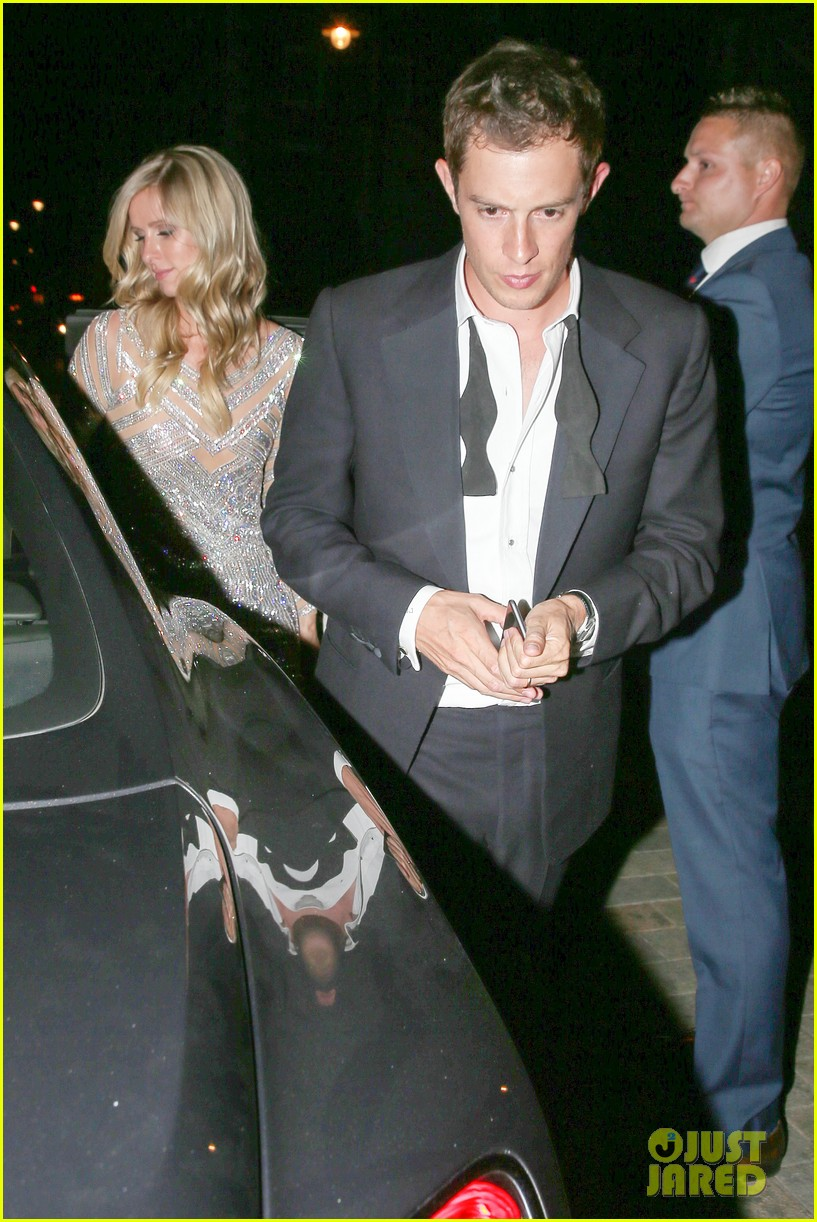nicky hilton changes into short dress after her wedding 083413251