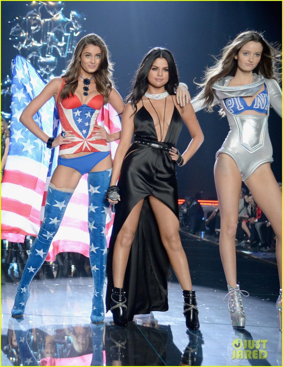 selena gomez performs at victorias secret fashion show 2015 183525685