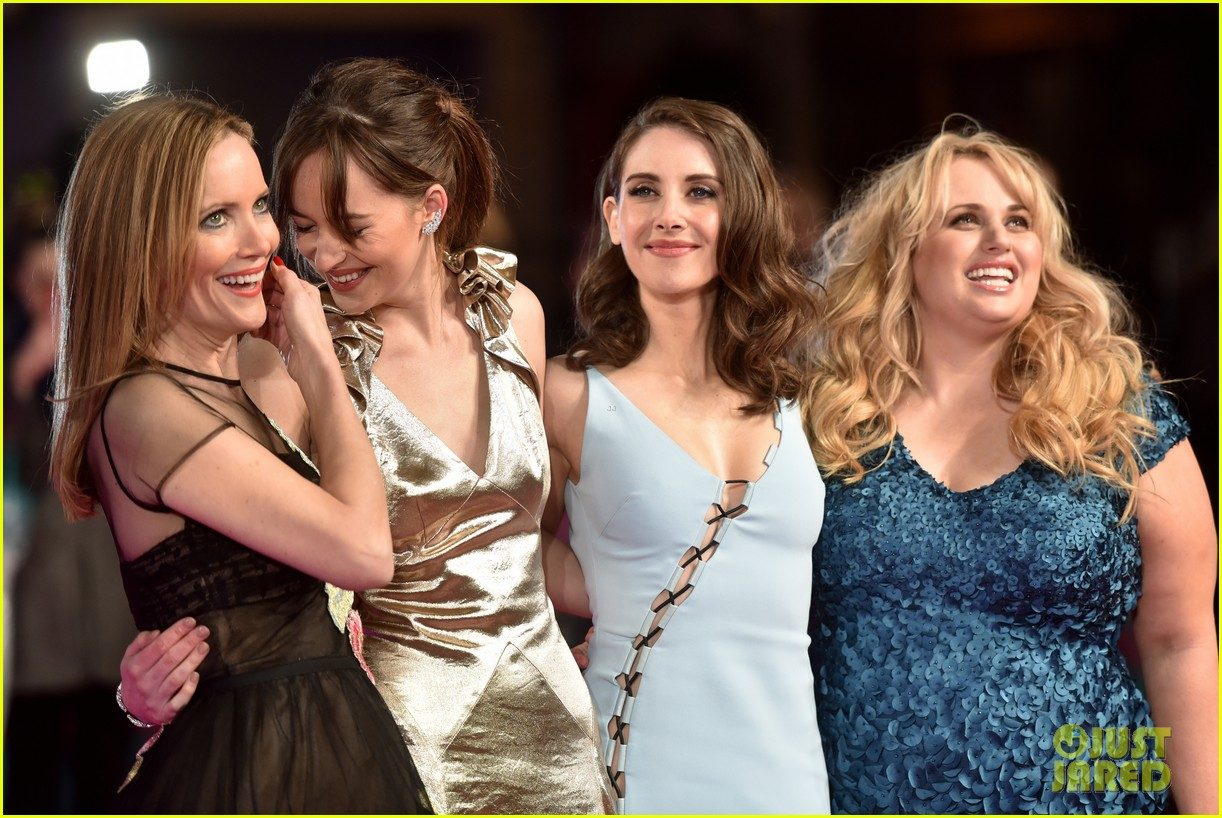 Dakota Johnson & 'How to Be Single' Cast Premiere Film in London ...