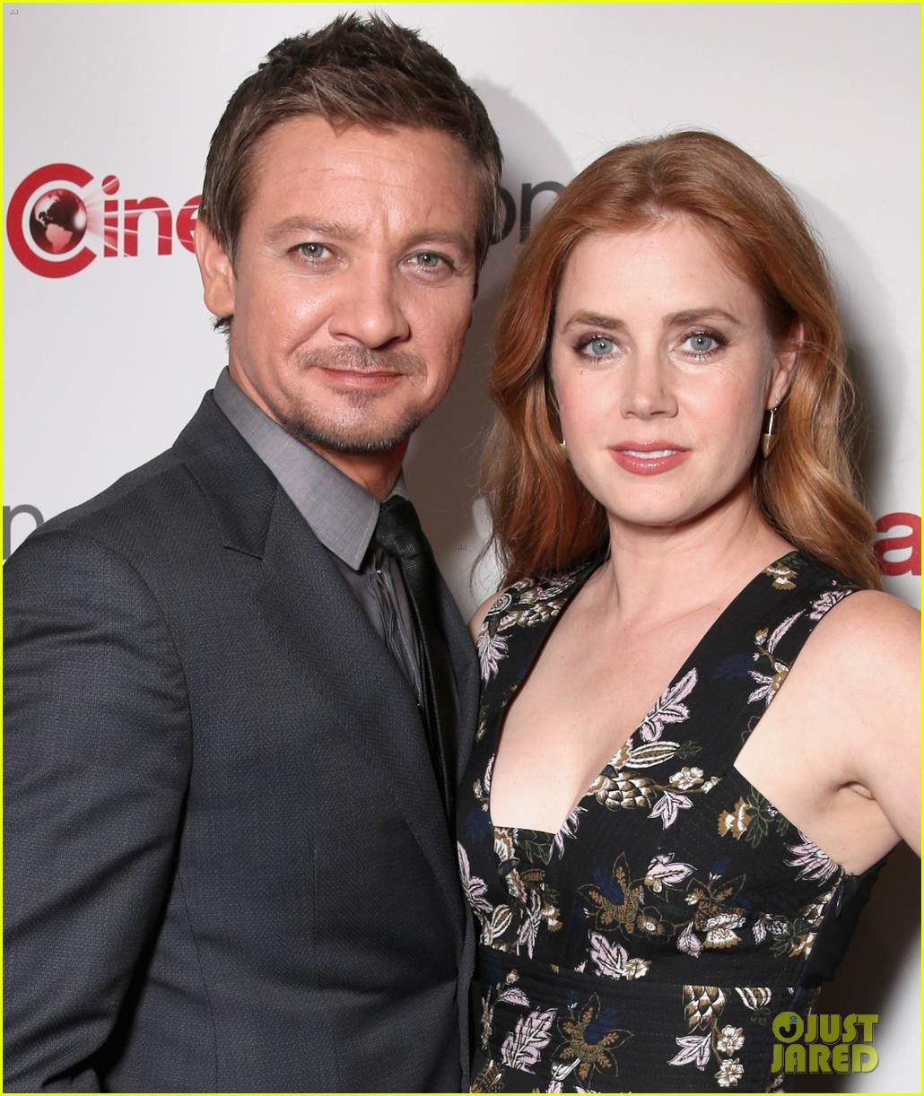 jeremy renner amy adams bring story of your life to cinemacon 2016 083628888