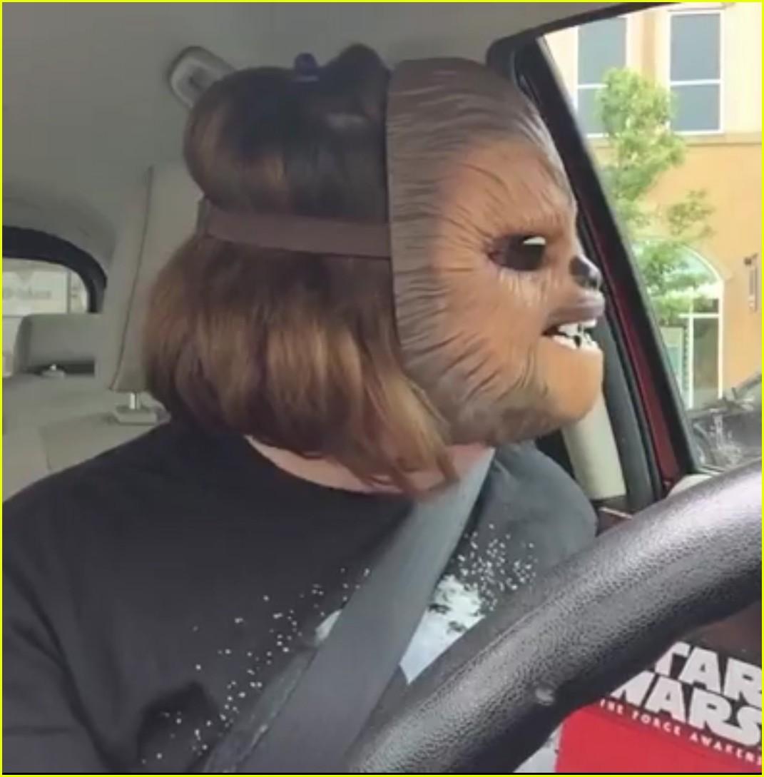 candace payne chewbacca mask laugh 033661349