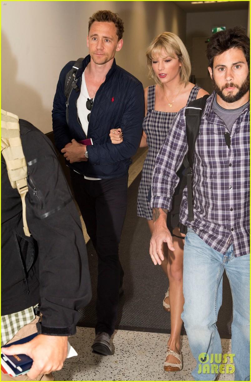 Taylor Swift Accompanies Tom Hiddleston to Australia for ...
