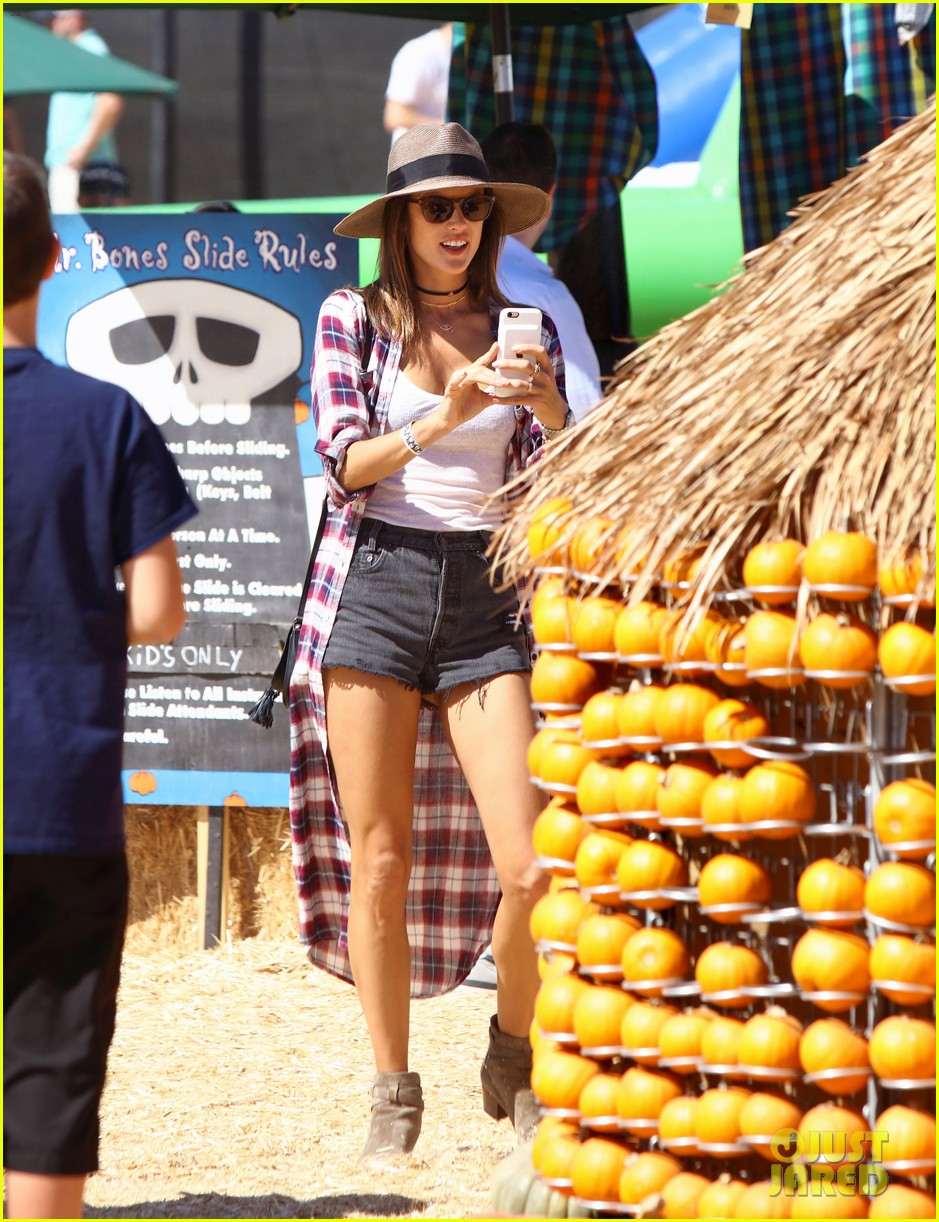 alessandra ambrosio visits a pumpkin patch with her kids 153782606