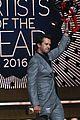 luke bryan thomas rhett buddy up at cmts artists of the year awards 03