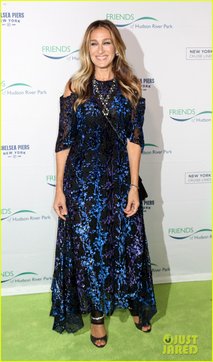 sarah jessica parker says robert downey jr relationship taught her how to love 103785658