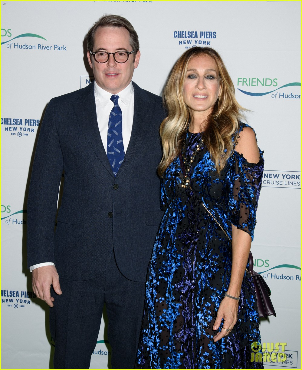 sarah jessica parker says robert downey jr relationship taught her how to love 183785666