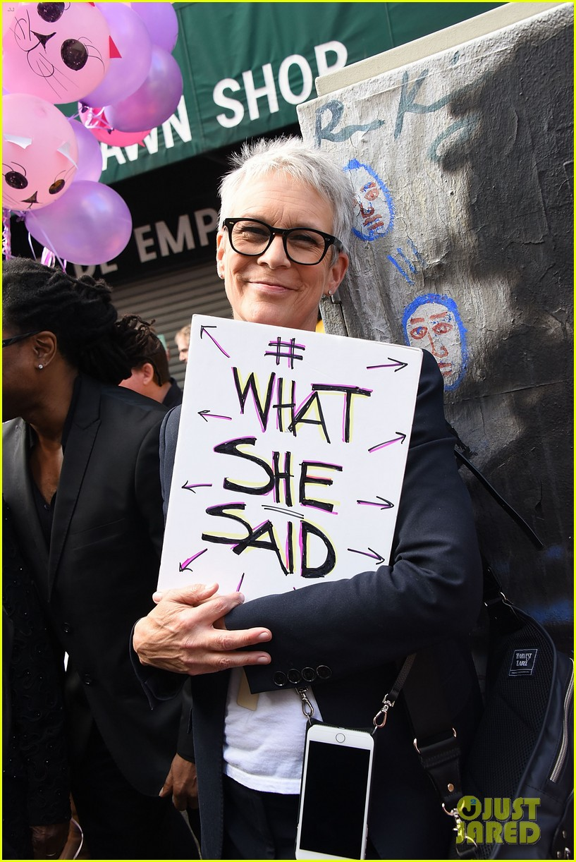 miley cyrus gina rodriguez and barbra streisand stand together at womens march 023845854