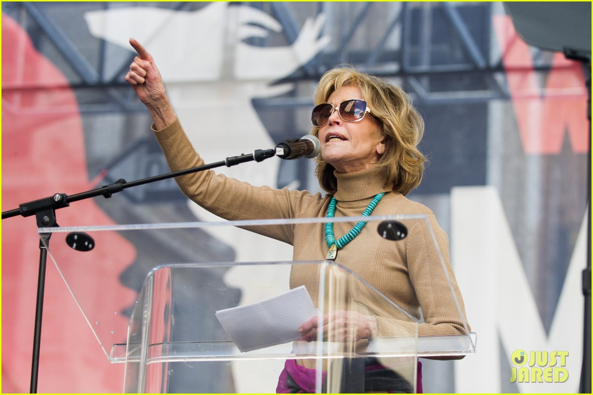 miley cyrus gina rodriguez and barbra streisand stand together at womens march 113845863