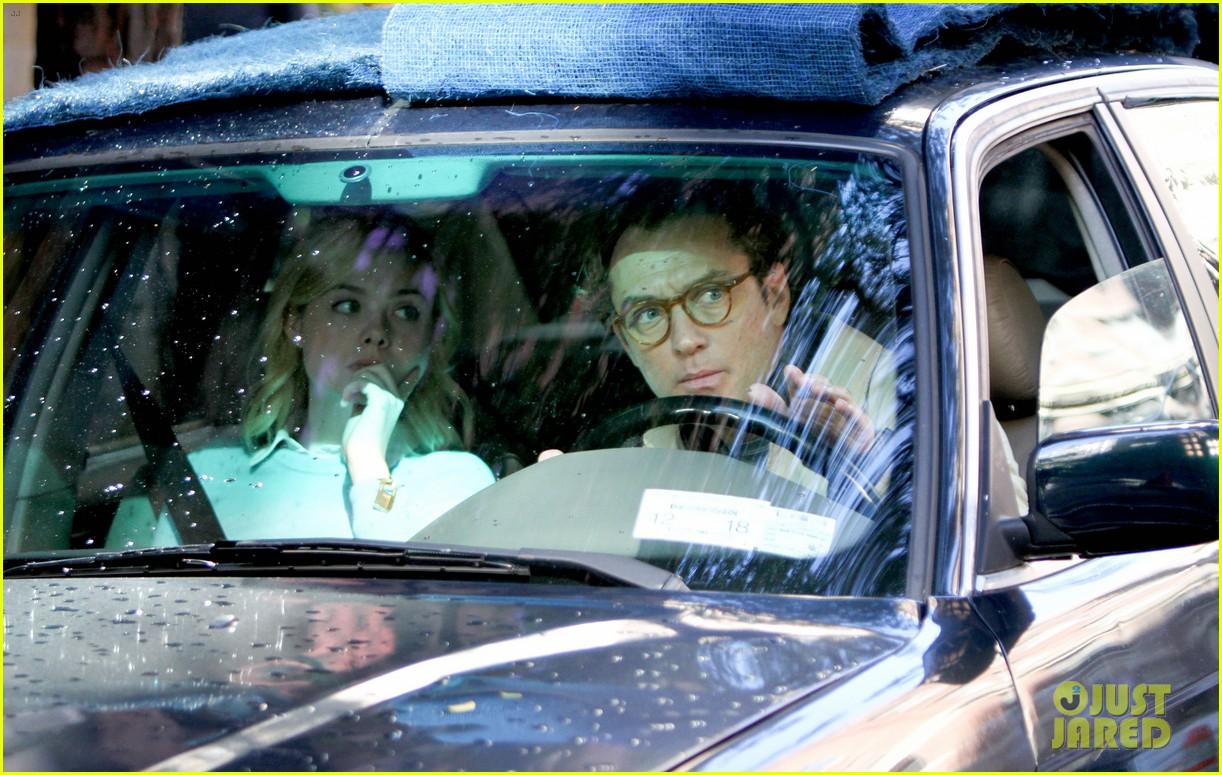 elle fanning jude law and rebecca hall film woody allen movie in nyc 053974726