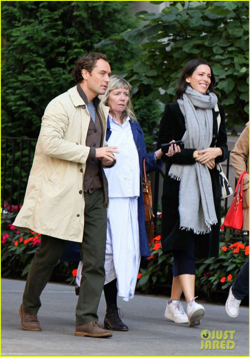 elle fanning jude law and rebecca hall film woody allen movie in nyc 12