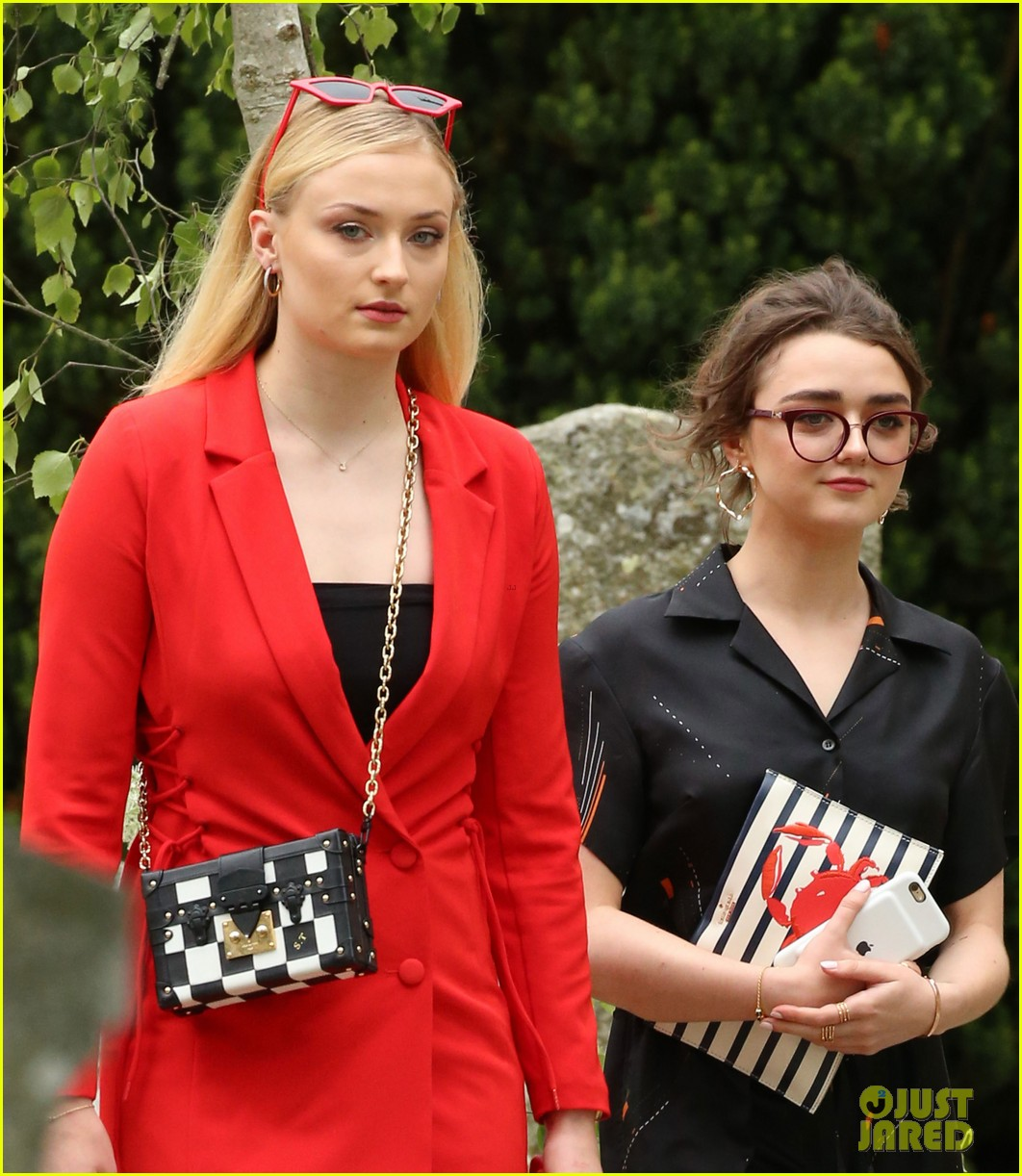 Sophie Turner & Maisie Williams Arrive for Their 'Game of ...