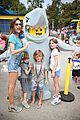 alessandra ambrosio takes kids to legoland 02