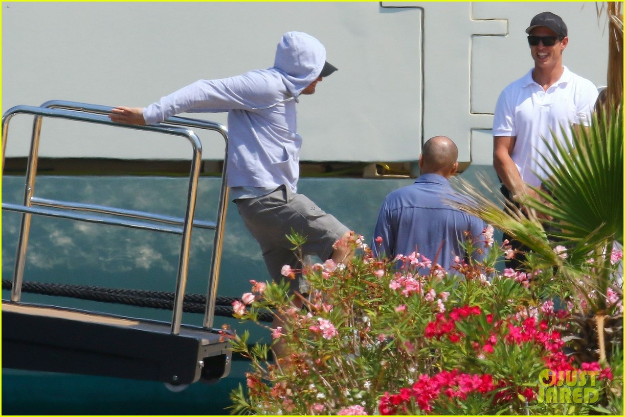 leonardo dicaprio relaxes on a yacht with camila morrone 634123247