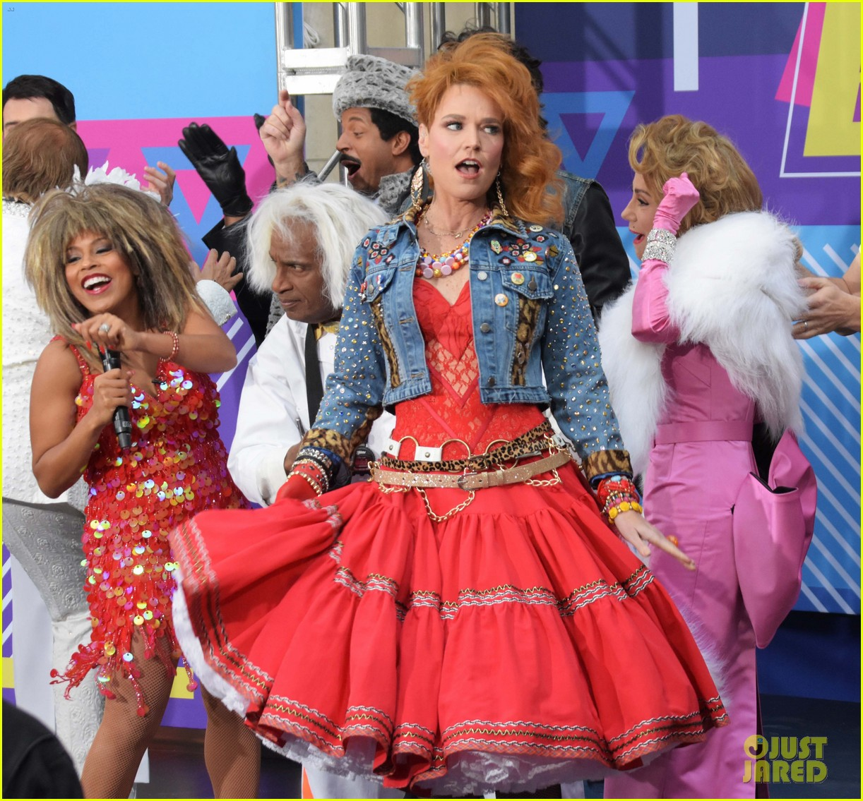 today show hosts show off their 80s inspired halloween costumes 174173873