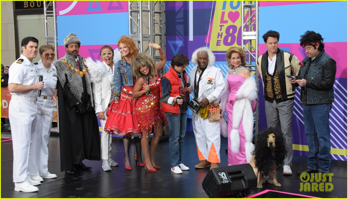 today show hosts show off their 80s inspired halloween costumes 224173878