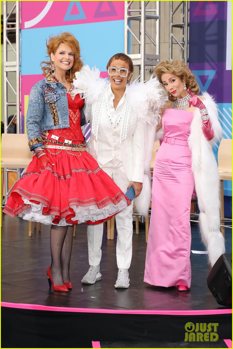 today show hosts show off their 80s inspired halloween costumes 354173891
