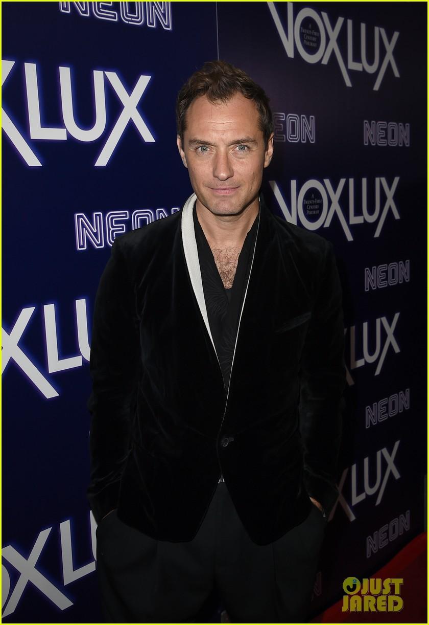 natalie portman jude law step out for vox lux premiere 014194169