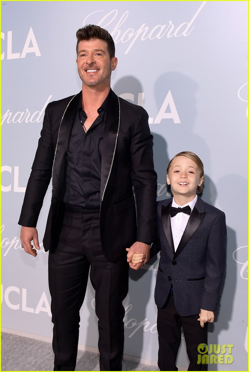 robin thicke brings julian to hollywood for science gala 02