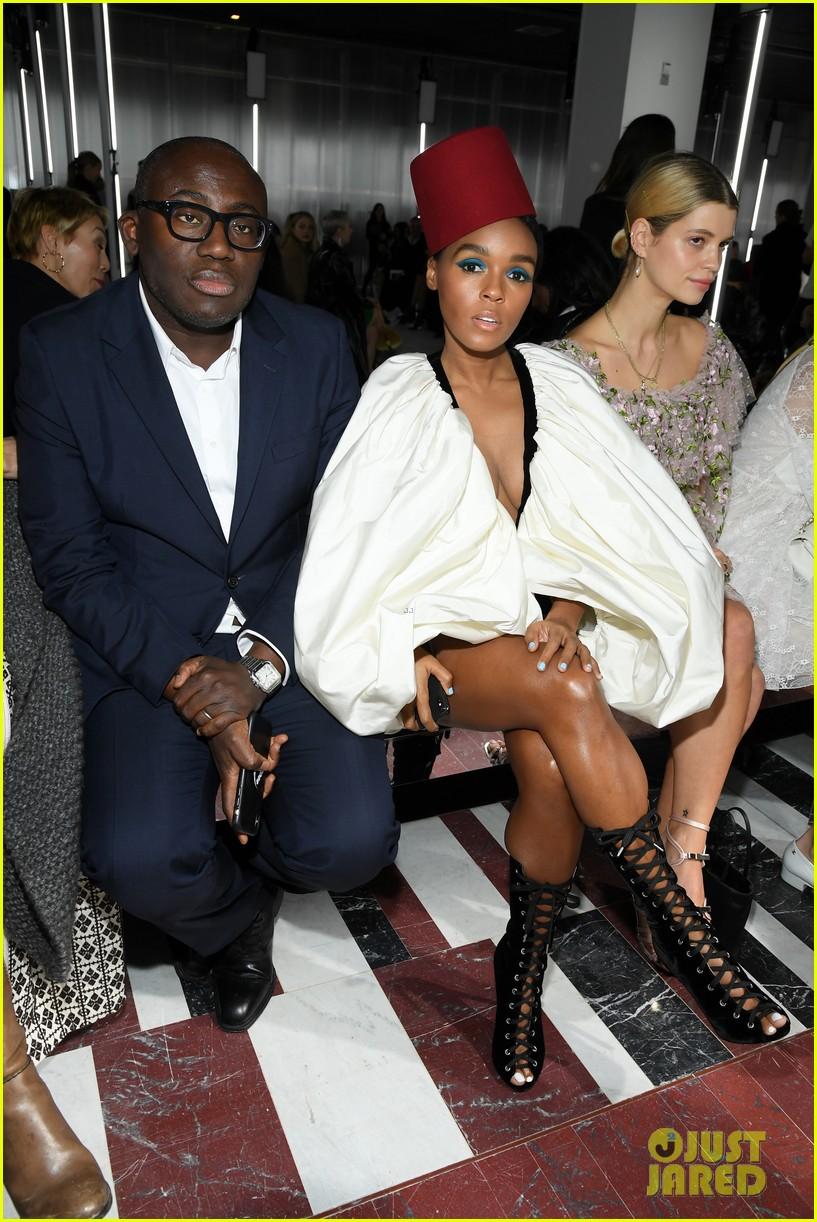 amber heard janelle monae buddy up at giambattista valli paris fashion show 094251220