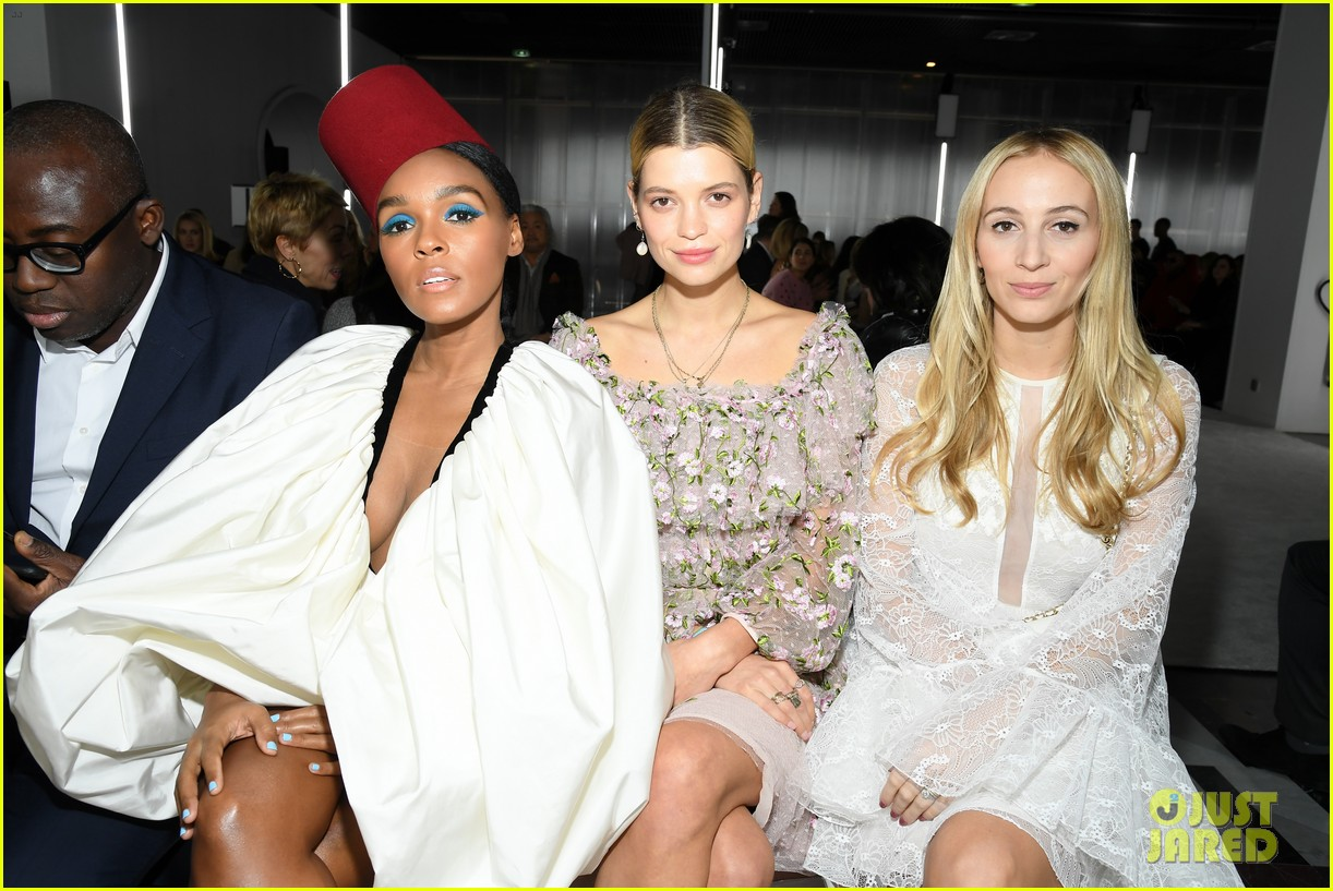 amber heard janelle monae buddy up at giambattista valli paris fashion show 104251221