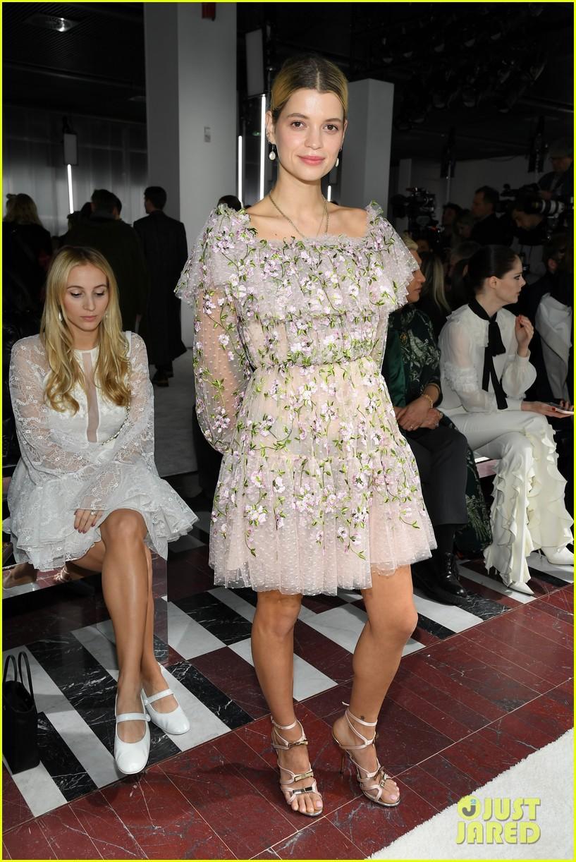 amber heard janelle monae buddy up at giambattista valli paris fashion show 314251242