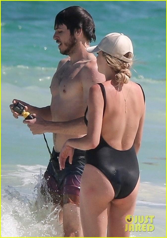 kelsea ballerini hits the beach on vacation 054277125