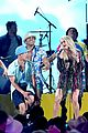 carrie underwood southbound performance at acm awards 03