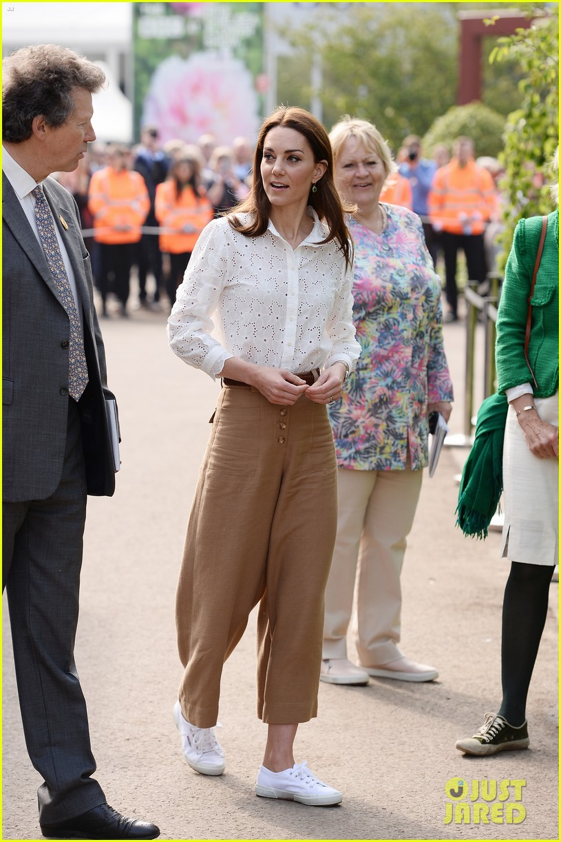 kate middleton steps out solo for rhs chelsea flower show 2019 press day 024294777