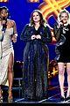 elisabeth moss mtv awards acceptance speech 01