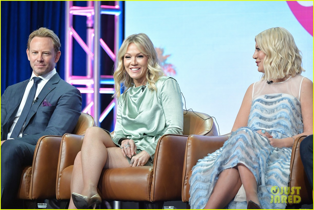 beverly hills 90210 cast celebrate reboot premiere at fox tca party 054332452