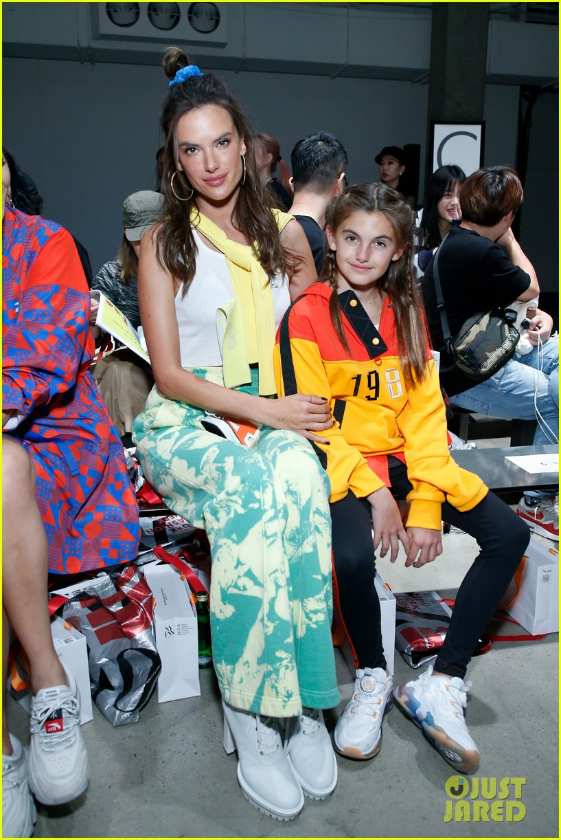 alessandra ambrosio coco rocha daughters china day anta kids fashion show 014348611