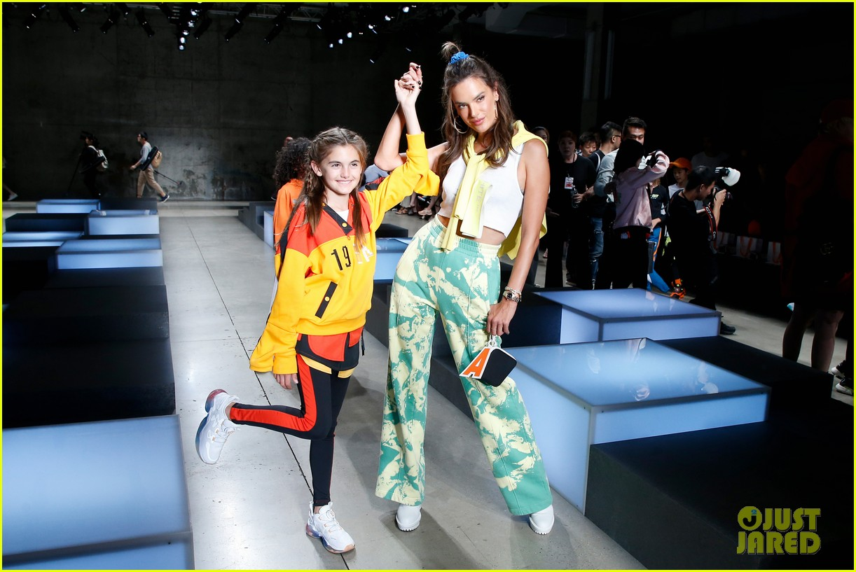 alessandra ambrosio coco rocha daughters china day anta kids fashion show 034348613