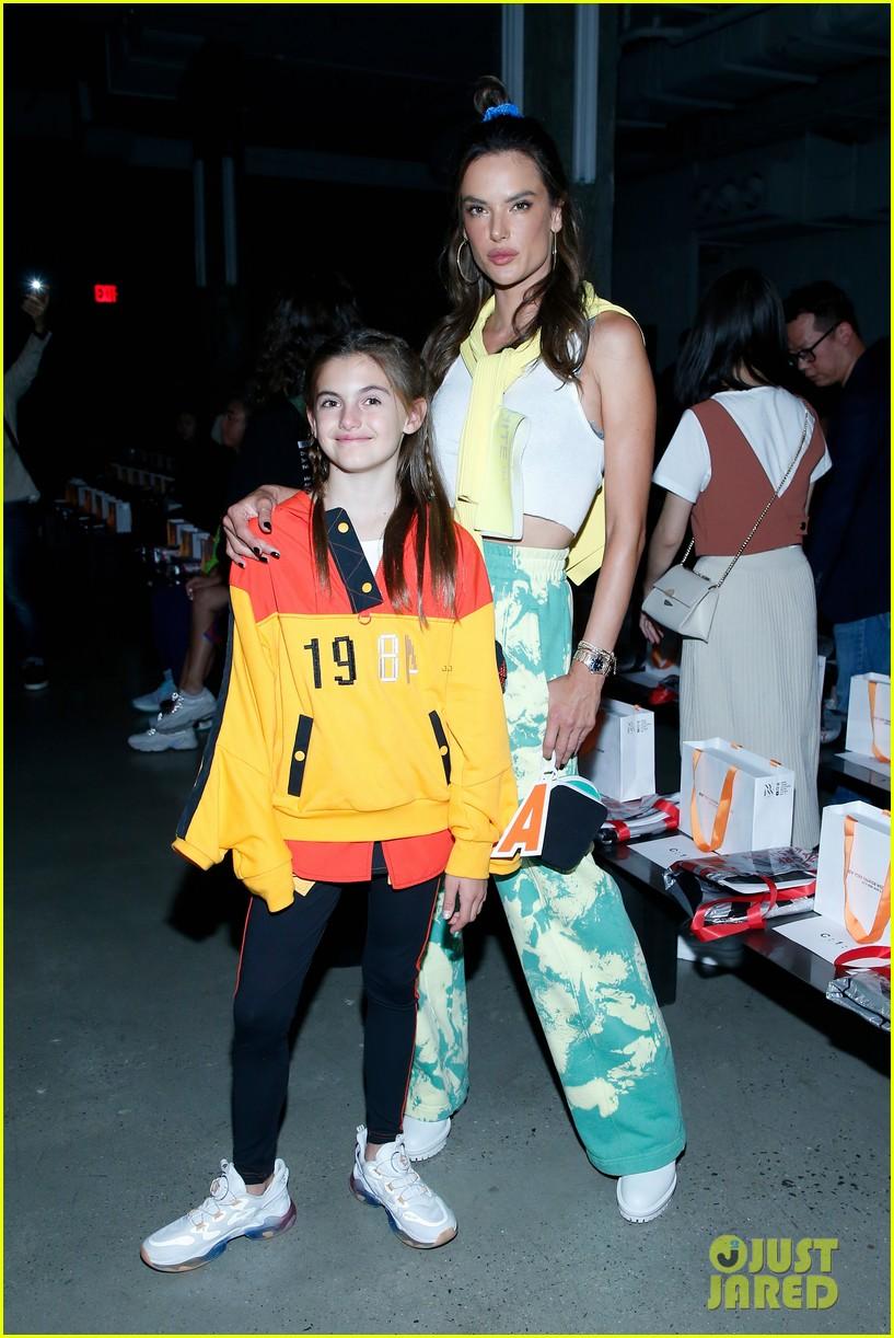 alessandra ambrosio coco rocha daughters china day anta kids fashion show 054348615