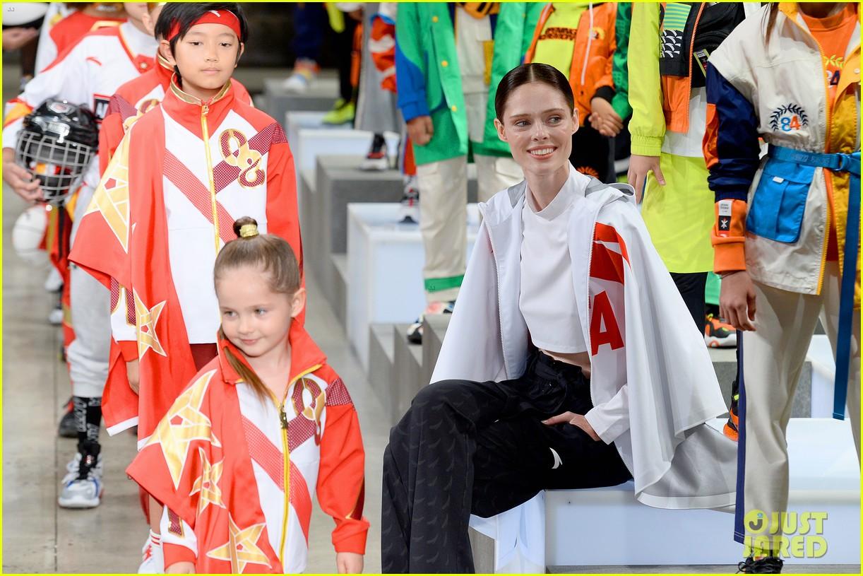 alessandra ambrosio coco rocha daughters china day anta kids fashion show 104348620