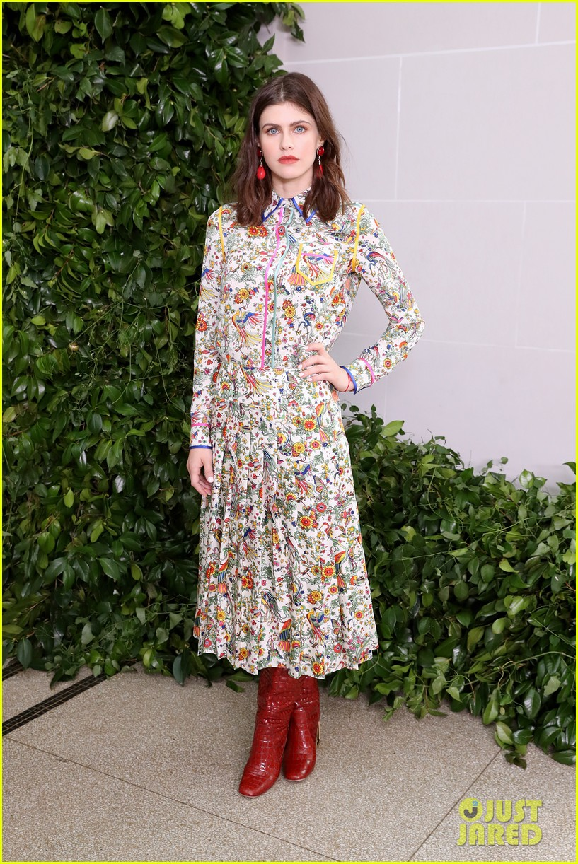 emily blunt others tory burch nyfw show 074348324