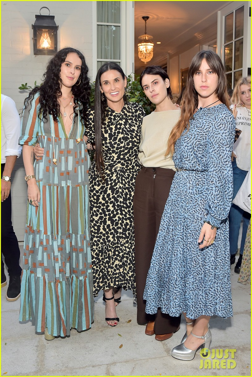 demi moore had the support of kids ex husband bruce willis inside out book launch 084359605