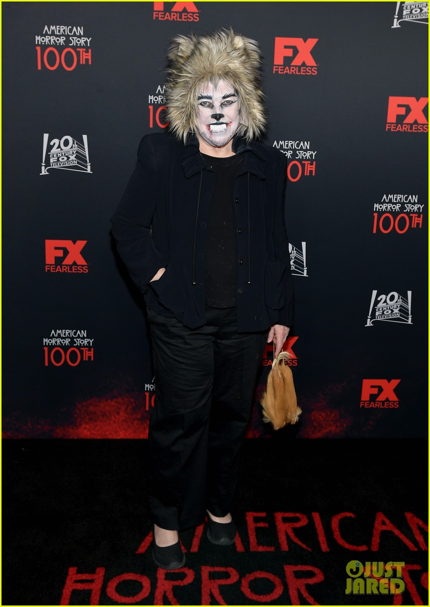 kathy bates dresses up for werewolf american horror story 100 034377262