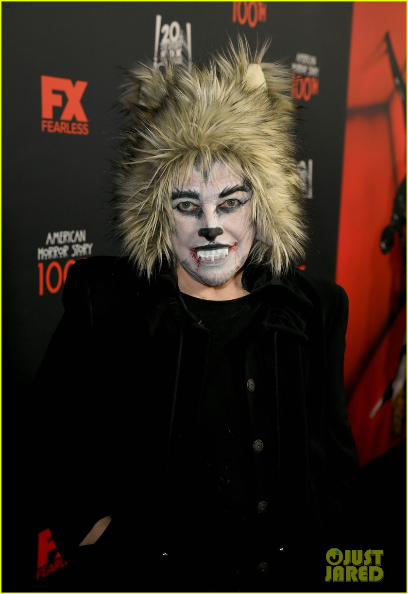 kathy bates dresses up for werewolf american horror story 100 05