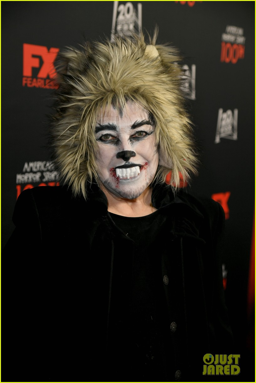 kathy bates dresses up for werewolf american horror story 100 13
